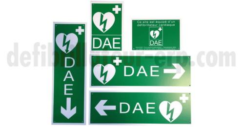 sigbalisation aux normes internationales pour trouver l'emplacement d'un défibrillateur